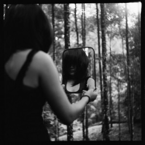 Girl in Mirror (3)