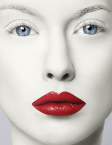 red-lips-pale