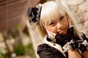 Gothic_Lolita_Goes_Happy__by_KaraKATAD