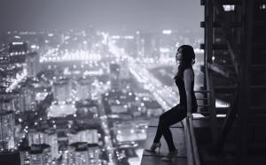 sadness_loneliness_longing_night_city_roof_railing_lighting_a_girl_desktop